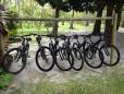 Hotel disponibiliza bicicletas aos hospedes, inclusa na diária.