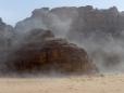 Tempestade de areia no Deserto de Wadi Rum